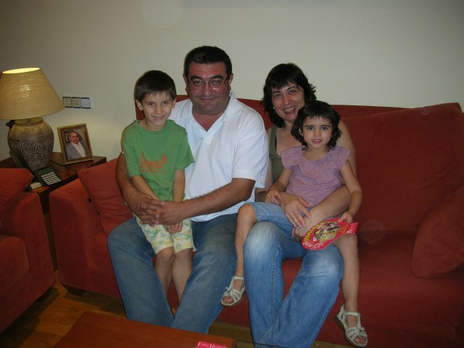 Anselmo, Carmen, Àlex i Vika
